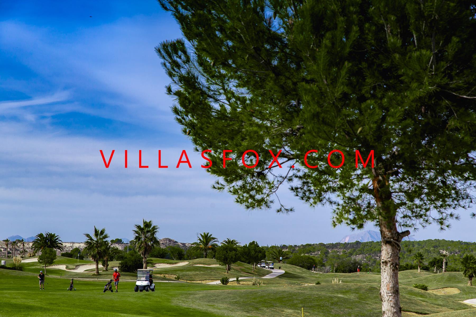Apartamentos de golfe de luxo a preços acessíveis, perto de bares e restaurantes