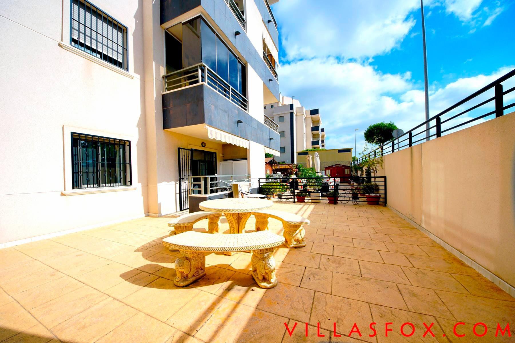 Residencial Angelina, San Miguel de Salinas, ground-floor apartment with patio garden