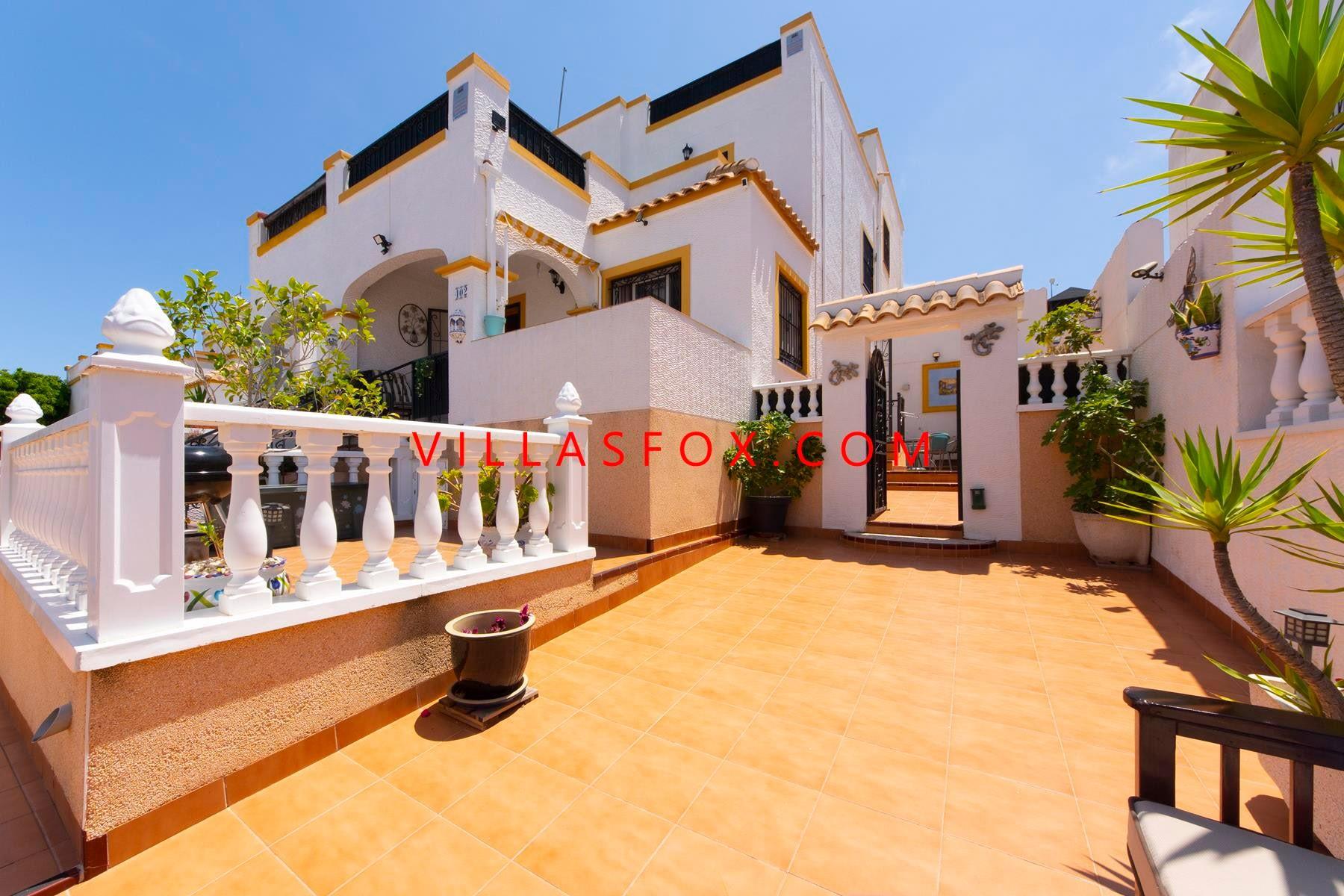 3-bedroom Los Altos Dream Hills quad villa