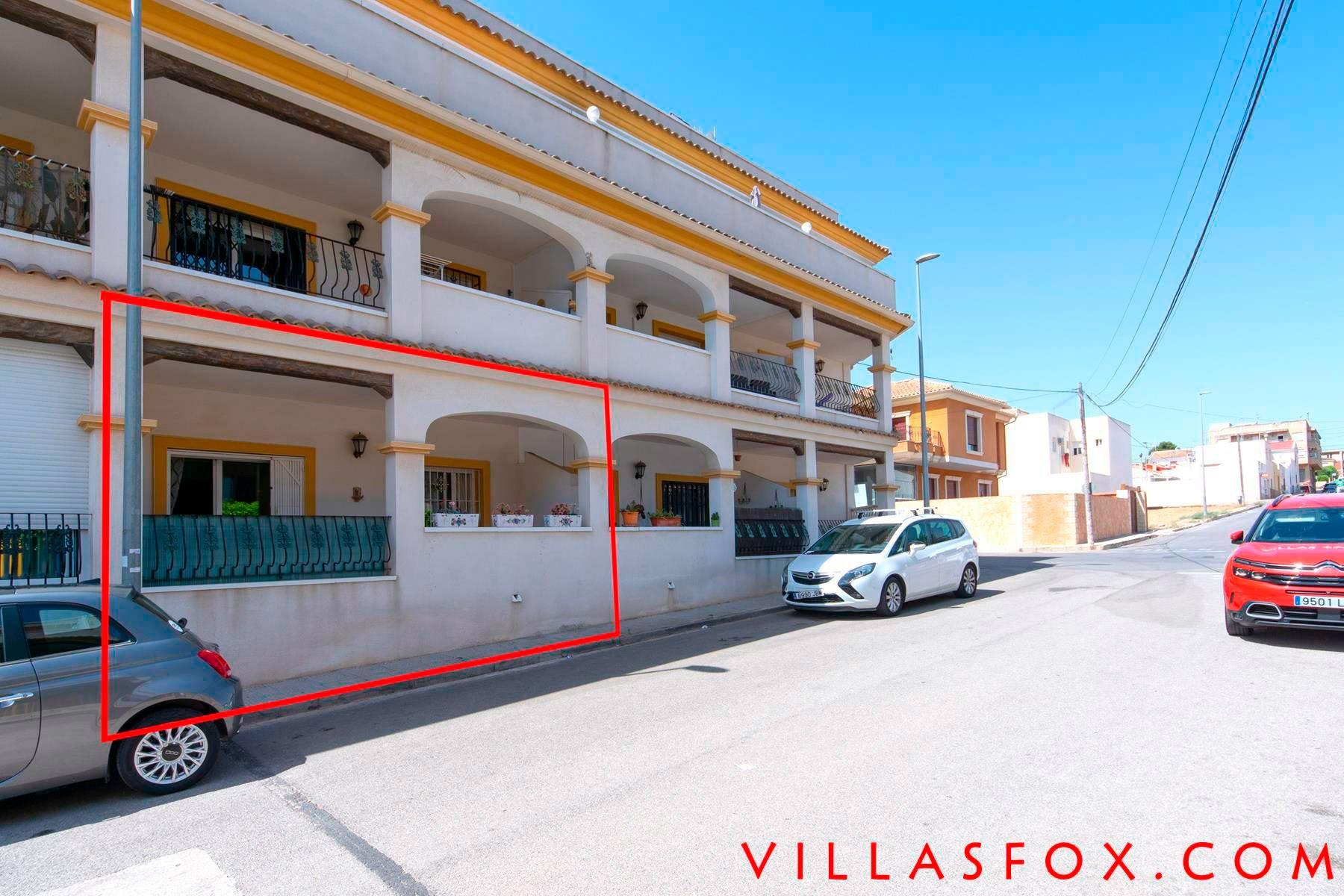 San Miguel de Salinas ground-floor apartment with pool