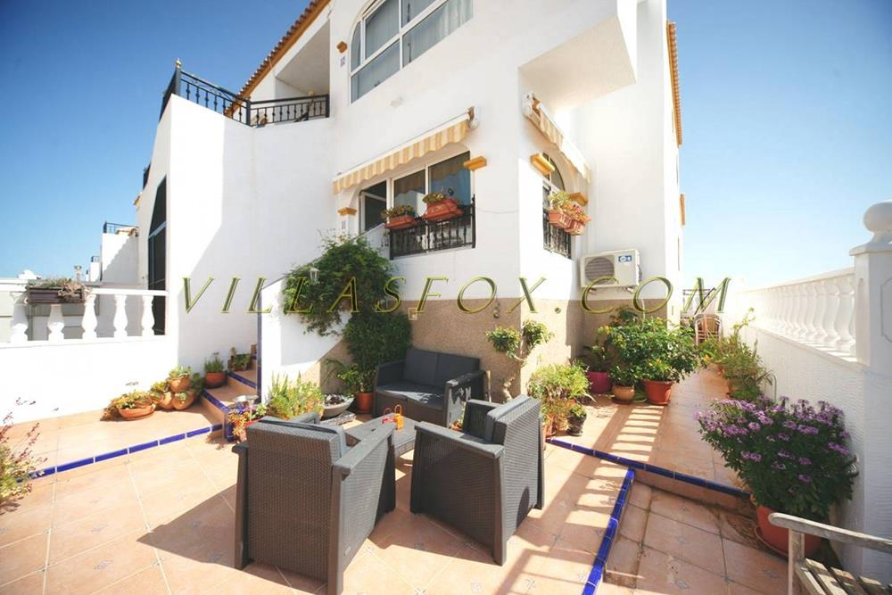 2-bedroom, ground-floor corner apartment, Entre Naranjos