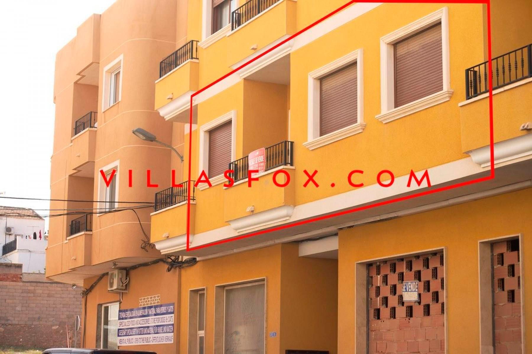 2-bedroom spacious 1st-floor apartment, San Miguel de Salinas with optional garage space