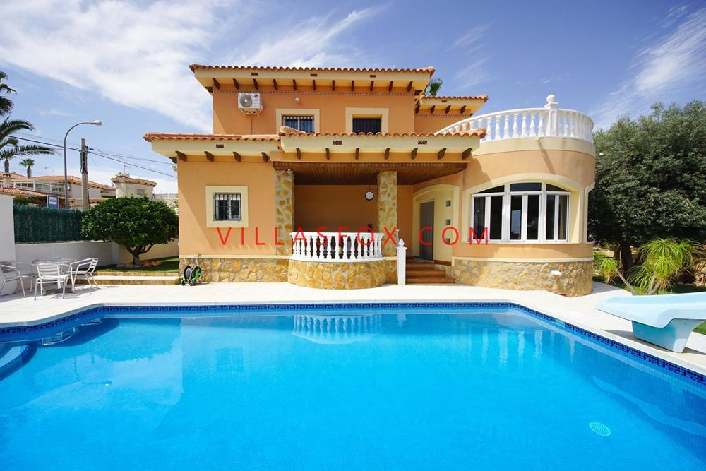 5-bedroom, 3-bathroom detached villa, Villasmaría, San Miguel de Salinas