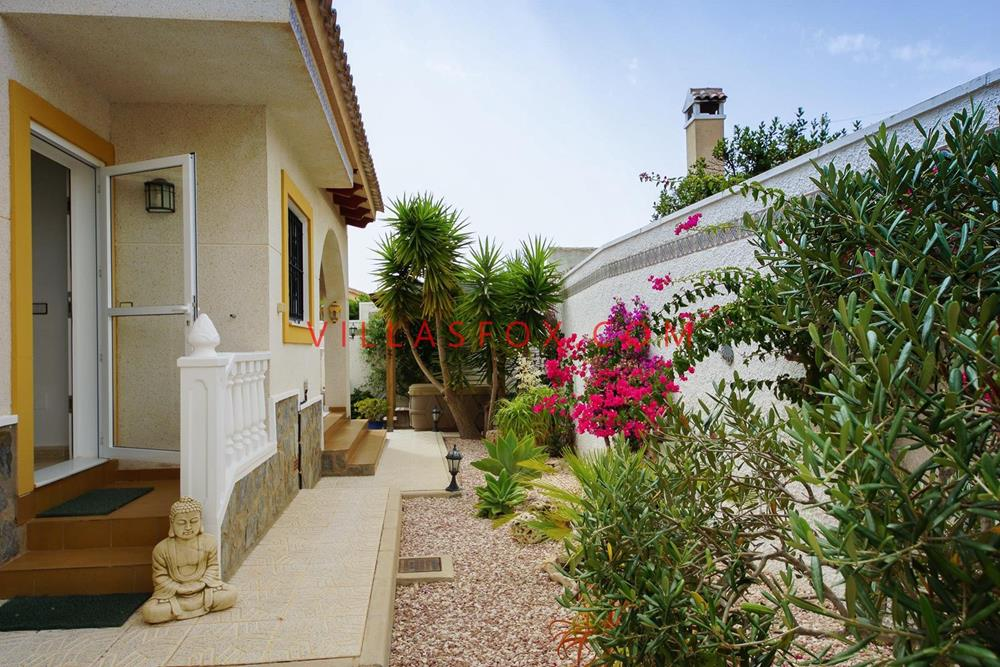 Villasmaría 4-bedroom luxury detached villa with pool and garage, San Miguel de Salinas