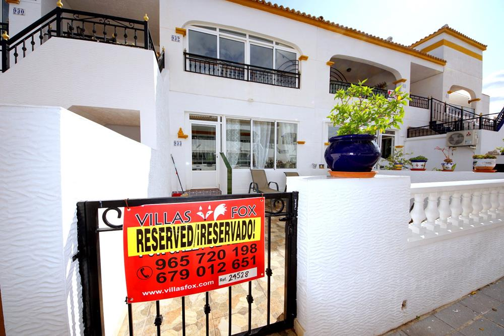 2-bedroom ground-floor apartment with pool, Entre Naranjos