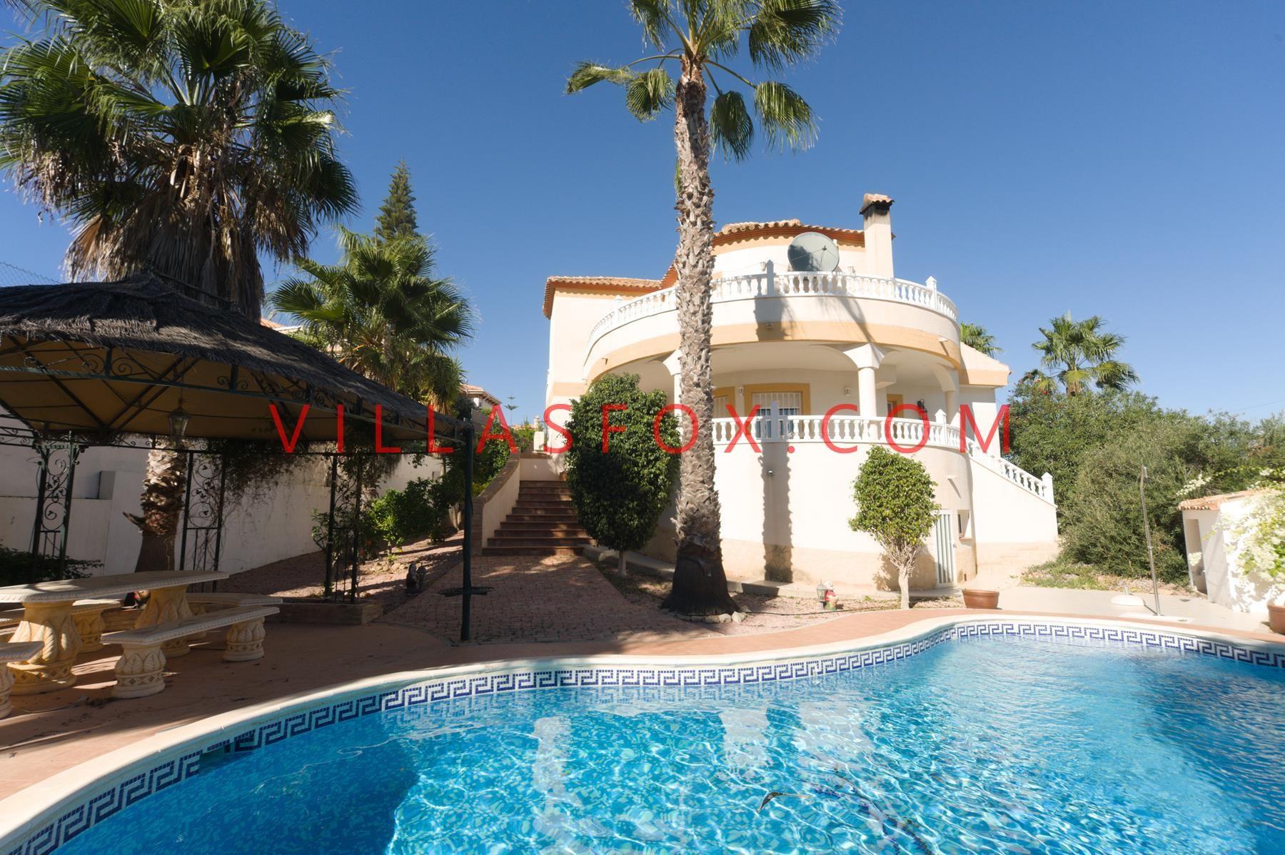 Luxury detached villa on large plot with magnificent views, Torrestrella, San Miguel de Sa