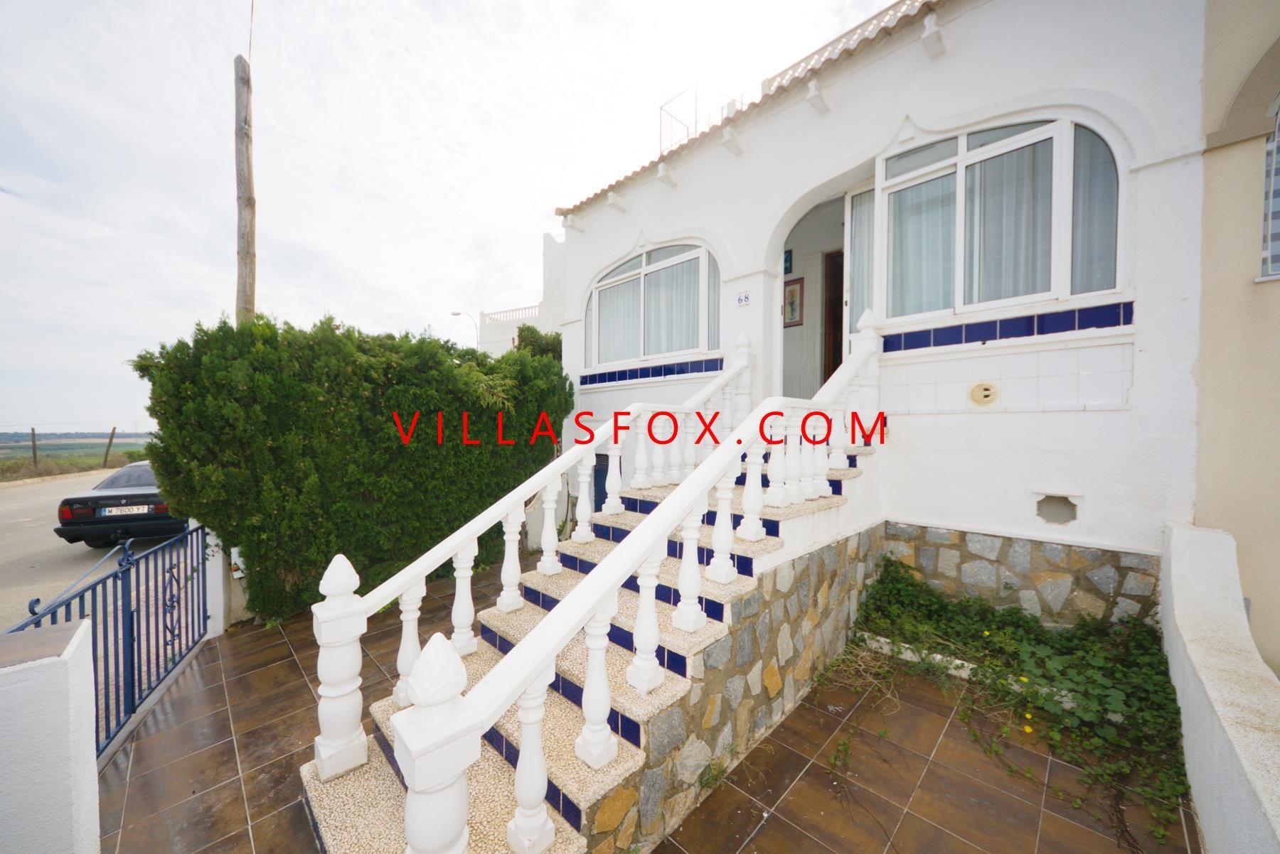 Balcón de la Costa Blanca - 3 bed, 2 bath semi-detached villa with large garden