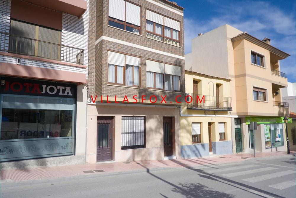 San Miguel de Salinas 3-bedroom apartment with views of the church square and large terrace
