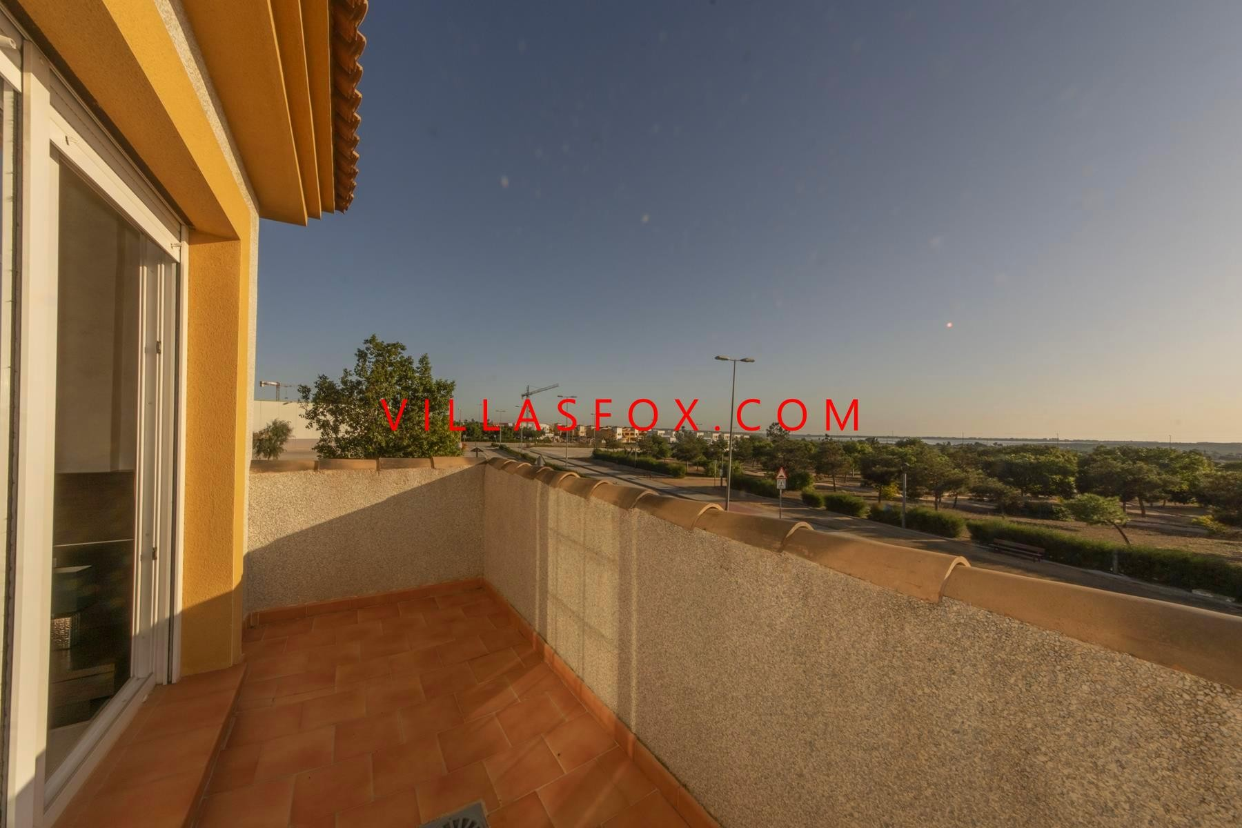 Los Montesinos (La Herrada) 3-bedroom detached villa with pool and great views, excellent condition