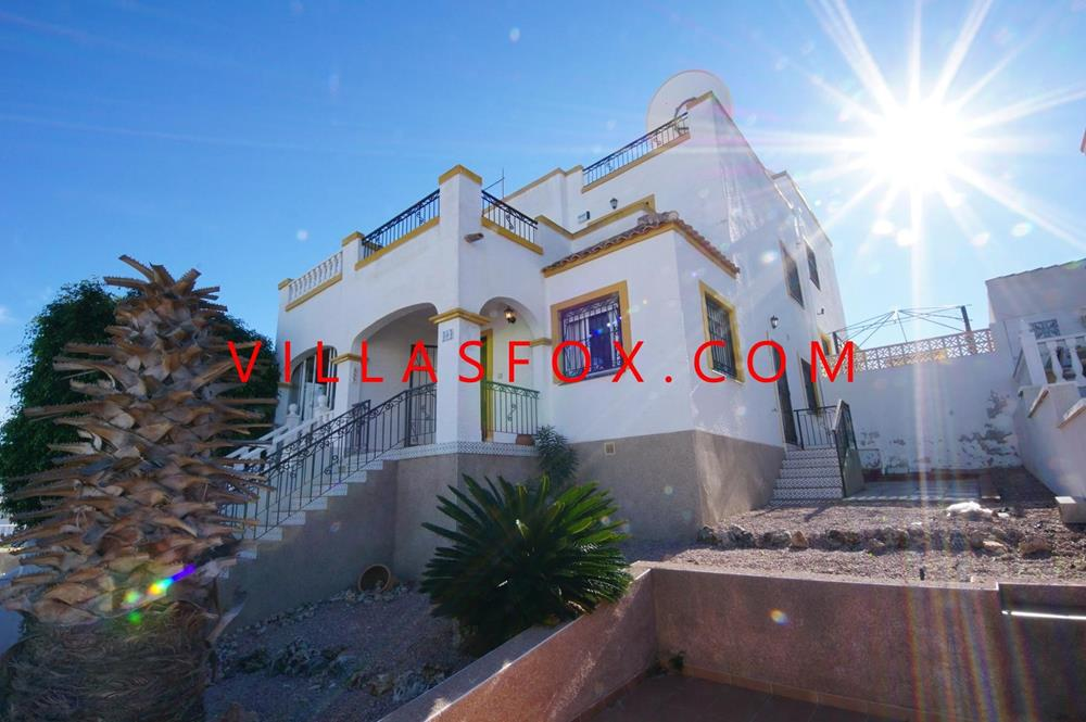 3-bedroom quad villa, Dream Hills with great views!