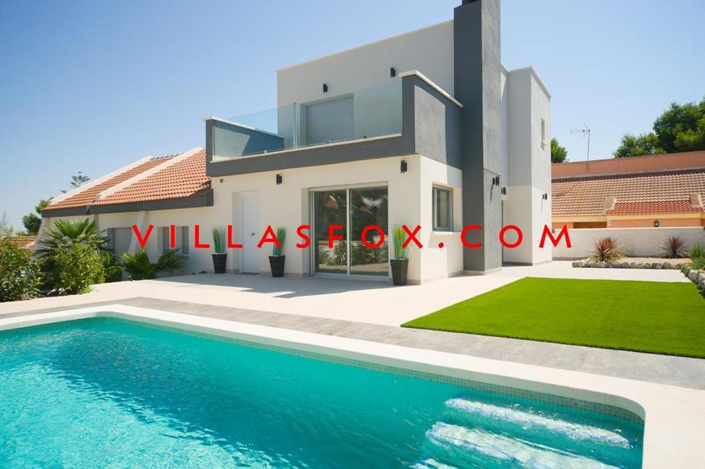 4-bedroom, 3-bathroom detached villa, completely modernised, Las Comunicaciones, San Miguel