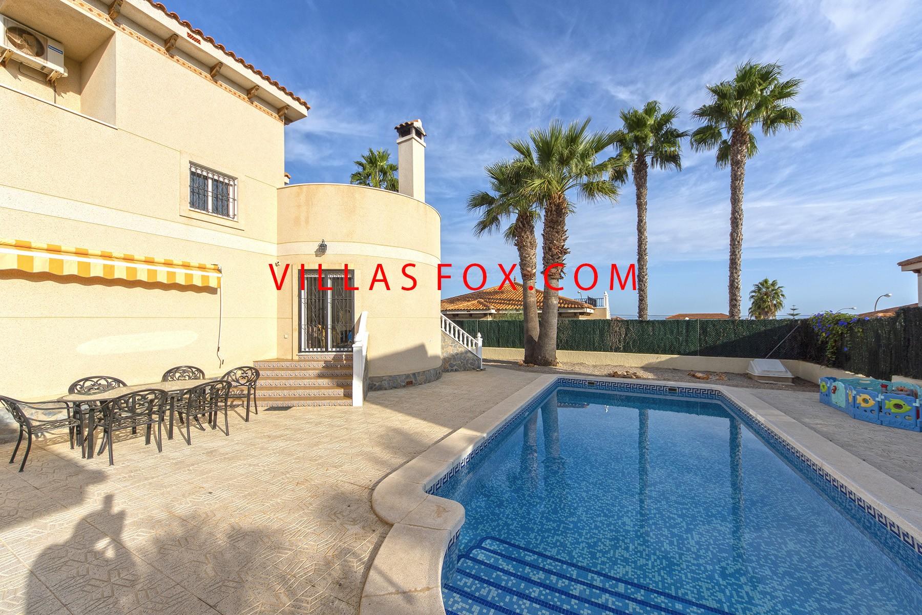 Villasmaría 4-bedroom detached villa with private pool and fantastic views!