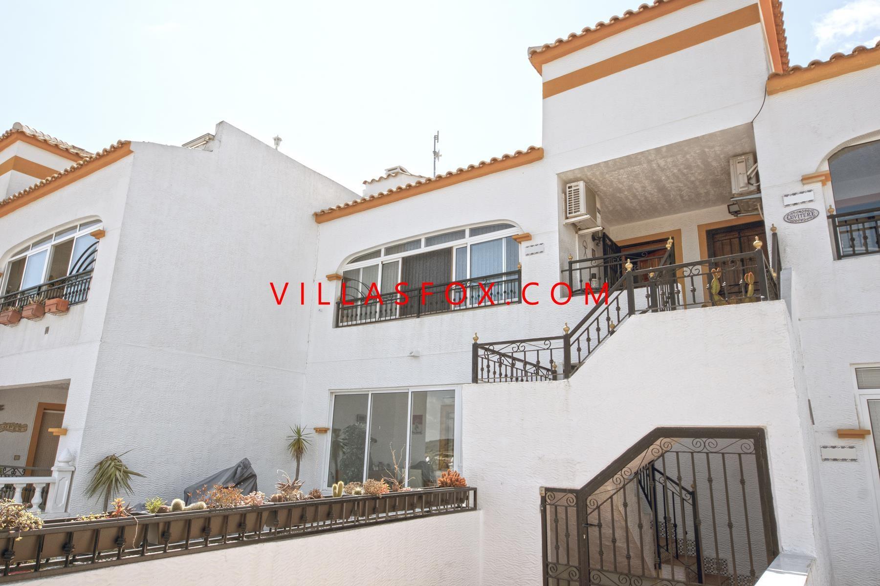 Entre Naranjos top-floor 2-bedroom apartment