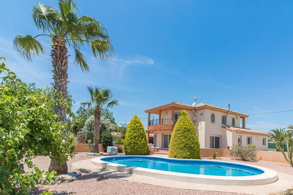 4-bedroom finca with private pool, close to San Miguel de Salinas