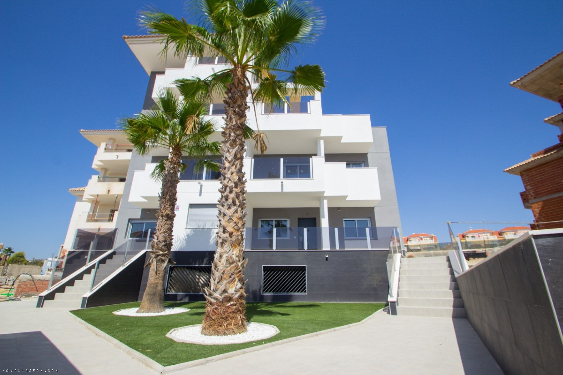 NEW-build apartments in great location!