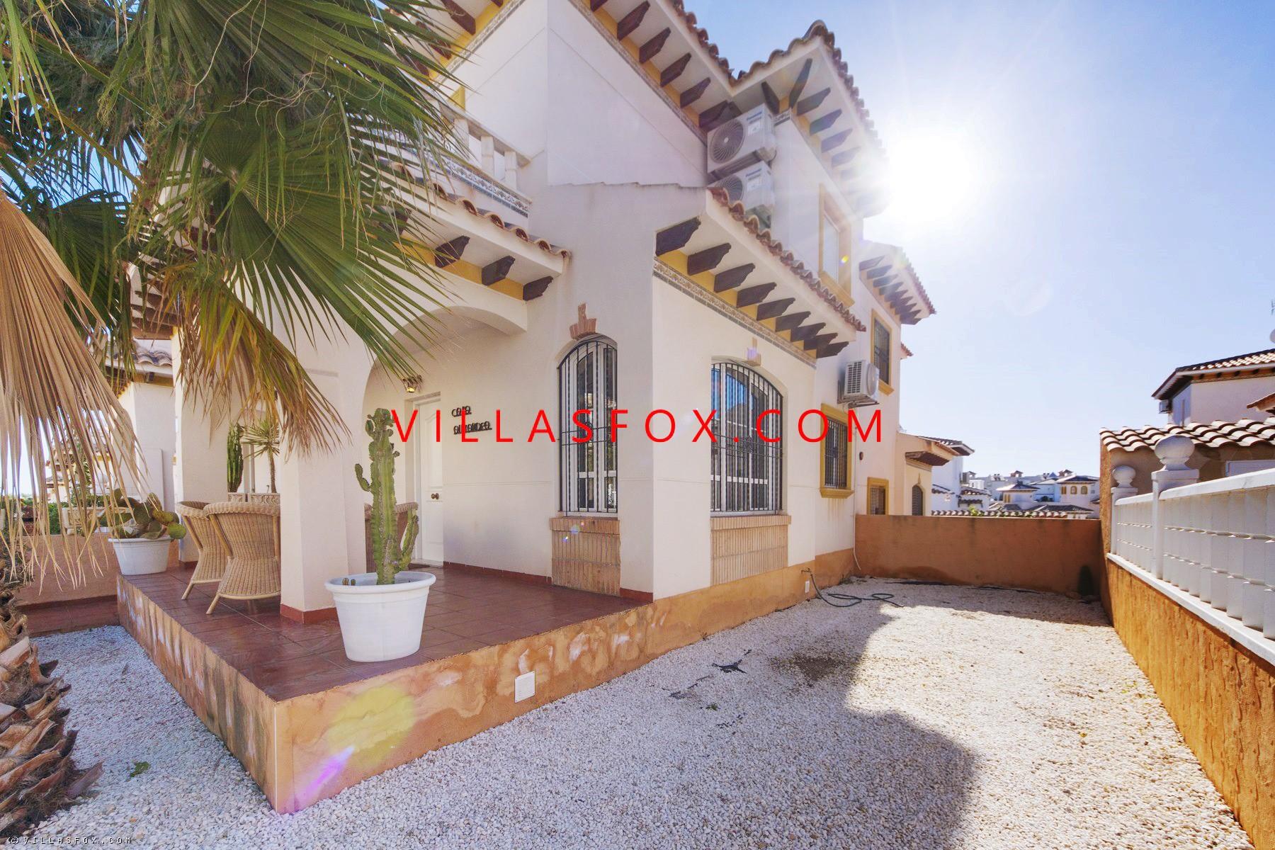 Lomas de Cabo Roig, 2-bedroom luxury quad villa with beautiful pool!