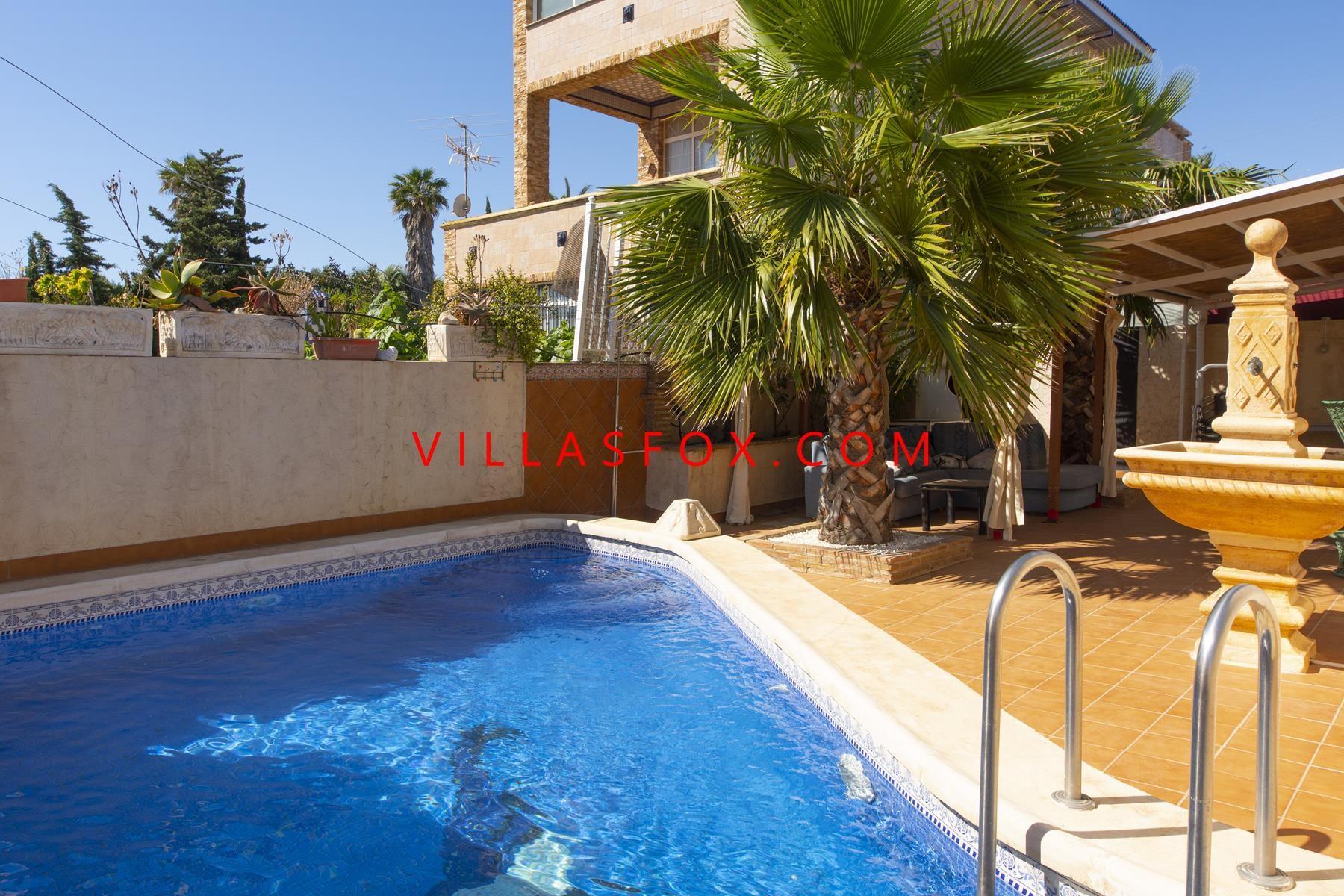 4-bedroom Los Altos villa with private swimming pool