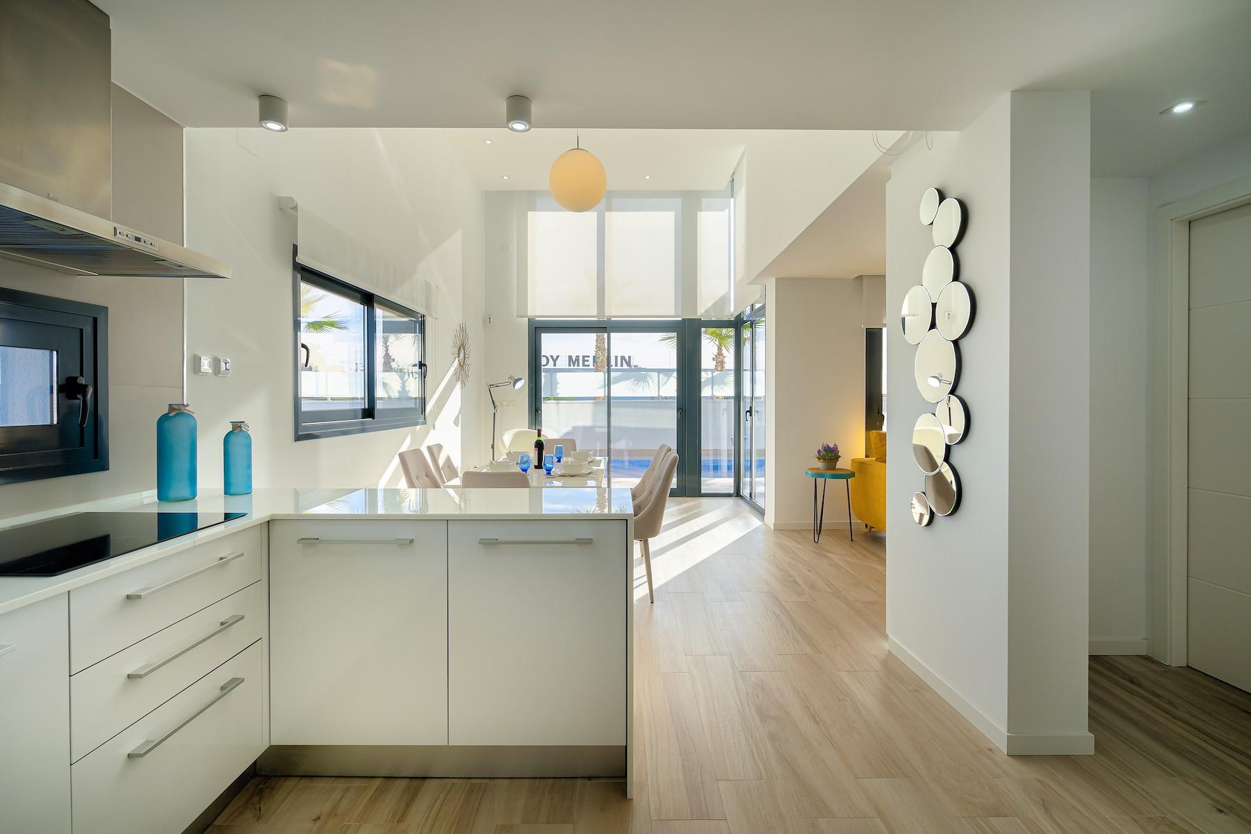 3 bedroom, 3 bath luxury new build villa
