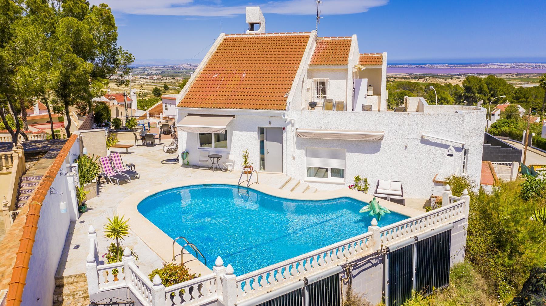 Las comunicaciones, fantastic renovated 5-bedroom villa