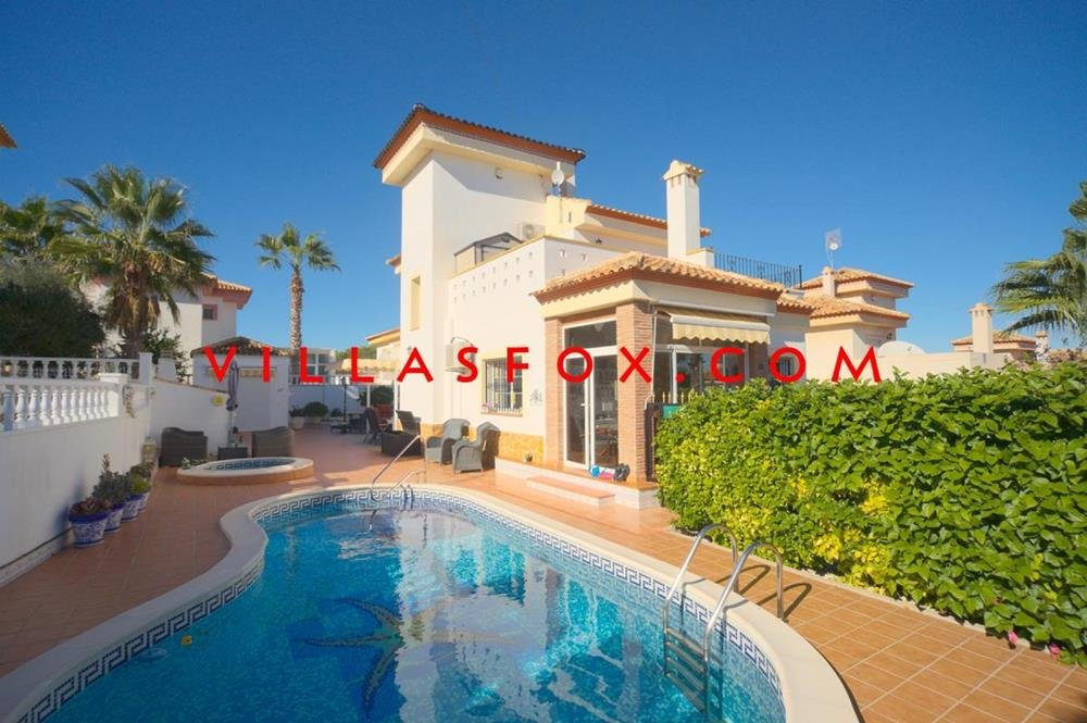 Fantastic villa + pool + summer kitchen in Torrestrella, San Miguel de Salinas