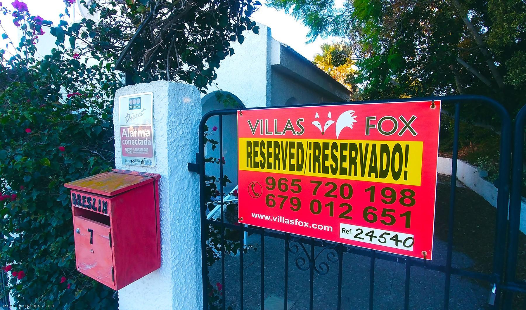 4-bedroom detached villa on 2 levels, 875 m2 plot, Las Comunicaciones