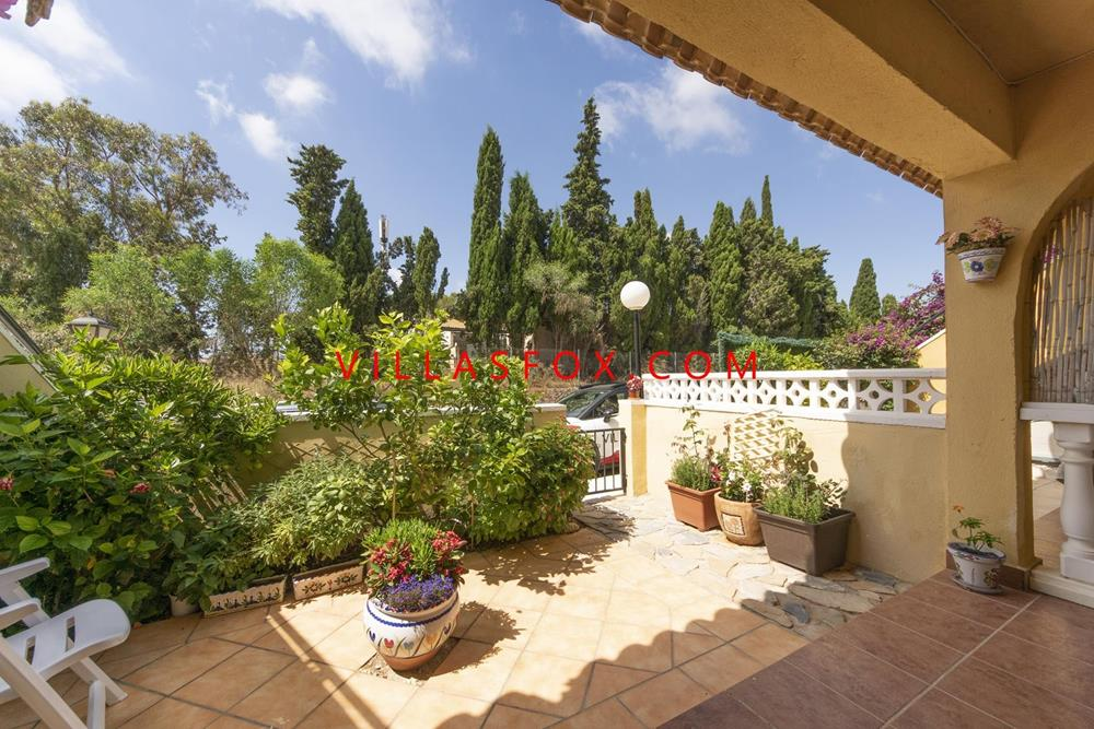 Lomas de Golf south-facing 2-bedroom apartment, short drive to beaches and golf