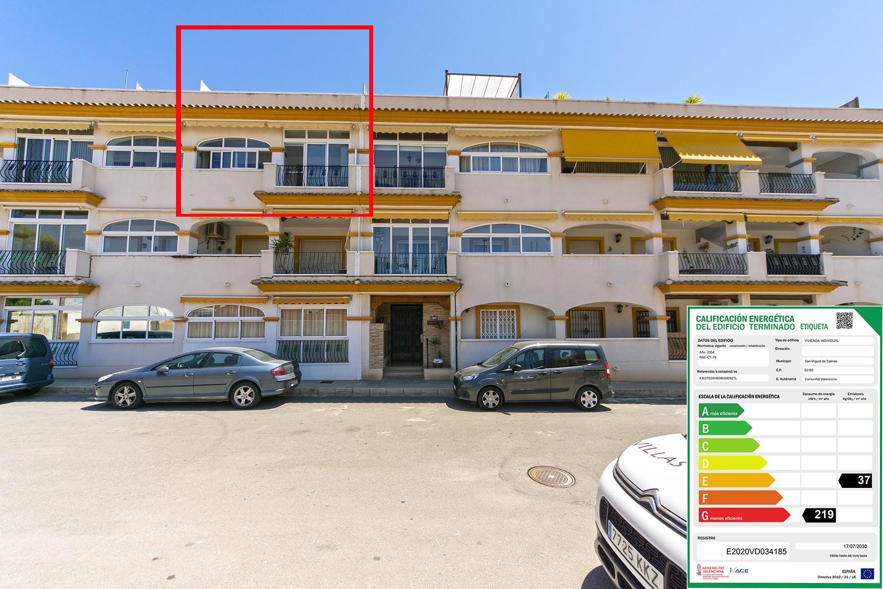 San Miguel de Salinas top floor apartment with private solarium and garage